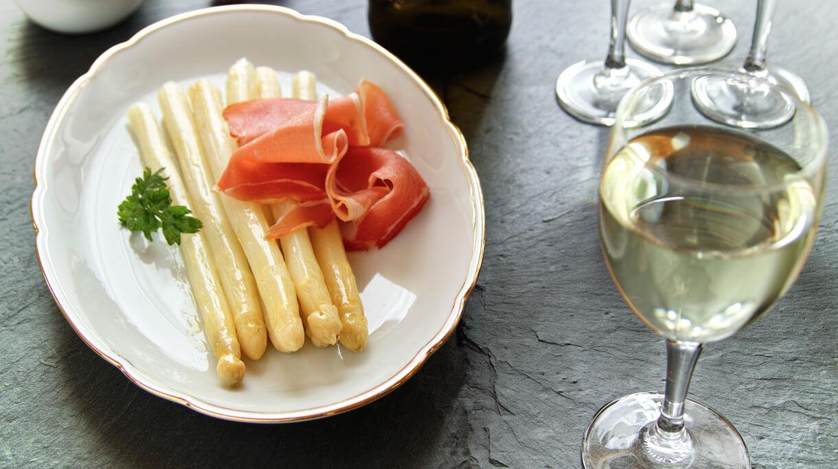 asperges in witte wijn